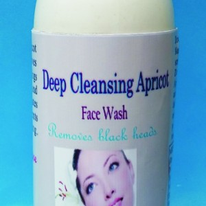 Deep Cleansing Apricort Face Wash Picture